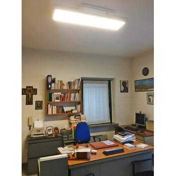 Pannello a LED rettangolare da 40 Watt di dimensioni 30x120cm con bordo bianco