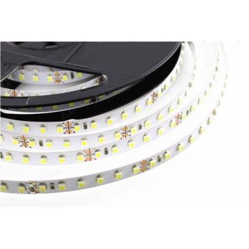 Striscia a led da 9,6W/M 24V bassa potenza, per applicazioni sottopensile o velette o luce di passaggio.