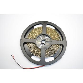 Striscia a led da 4,8 watt/metro. Ideale come luce di cortesia, di passaggio o per giochi di luce. Bassa potenza.