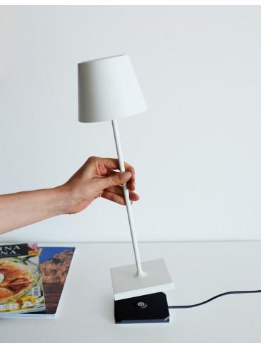 Lampada a led da tavolo Poldina Mini Pro Bianca ricaricabile e dimmerabile con batteria fino a 9 ore. Da esterno IP54.